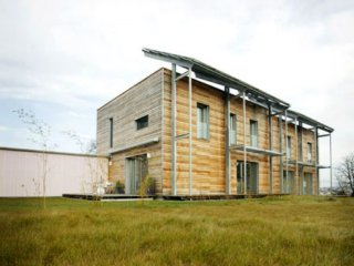 Doppelhaushälfte in Passivhaus Plus-Standard